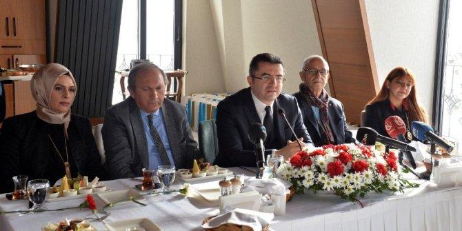 Erzurum Valisi Okay Memiş, gazetecilerle bir araya geldi