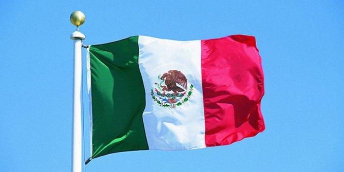 Meksika'da araçları sulama kanalına düşen 4 asker öldü