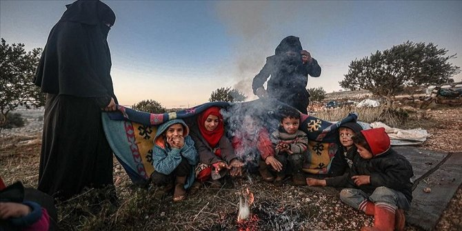 13 bine yakın sivil daha Türkiye sınırı yakınlarına göç etti