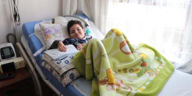 SMA hastası Mehmet'in karne sevinci