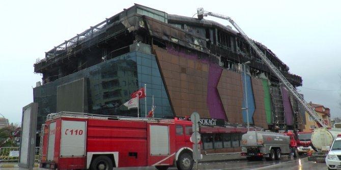Kocaeli'de yangın çıkan alışveriş merkezinden açıklama