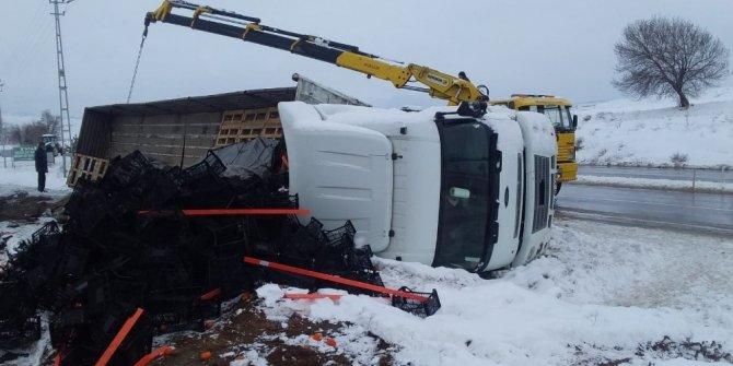 Tokat'ta kar yağışı ve buzlanma kazalara neden oldu