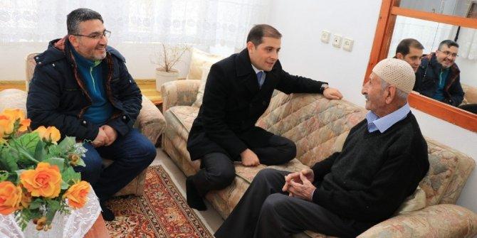 Kaymakam Erat'tan 'Yaşayan İnsan Hazinesi' Kalender'e ziyaret