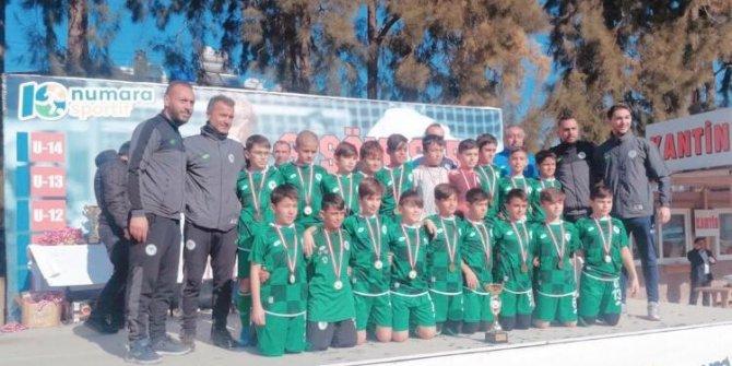Konyaspor U13 takımı Kuşadası'nda şampiyon oldu