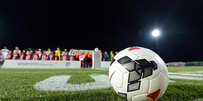 Depremde hayatını kaybedenler için futbol maçlarında saygı duruşu yapılacak