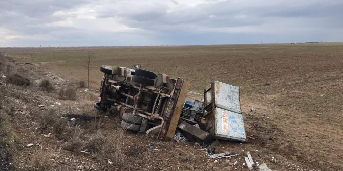 Aksaray'da kamyonet devrildi: 2 yaralı