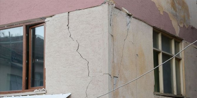 Malatya'da depremden zarar gören 37 bina yıkılacak