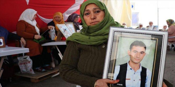 Diyarbakır annelerinin oturma eylemine bir aile daha katıldı