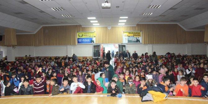 Seydişehir'de çocuk tiyatrosu sahne aldı