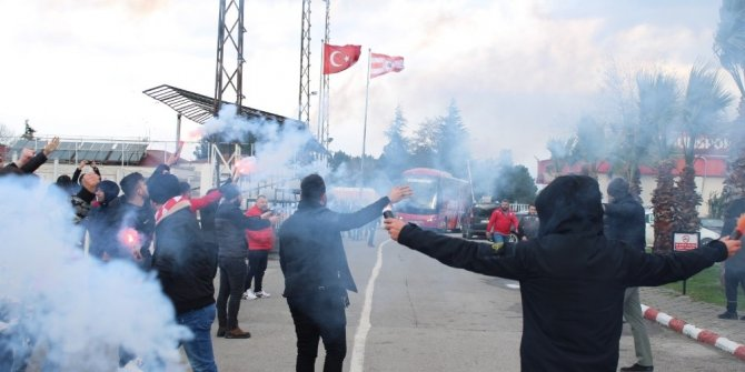 Samsunspor'a meşaleli uğurlama