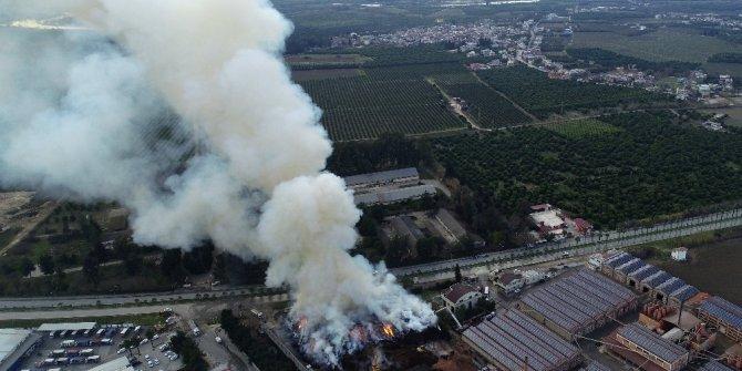 Adana'da fabrika yangını 15 saattir söndürülemedi