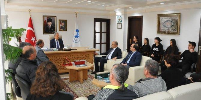 Anadolu Lisesi heyetinden Başkan Akkaya'ya ziyaret
