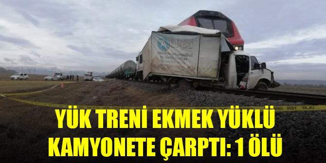 Konya istikametine giden yük treni ekmek yüklü kamyonete çarptı: 1 ölü