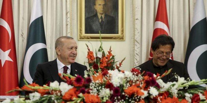 Erdoğan'ın Pakistan ziyareti, ülke basınında geniş yer buldu