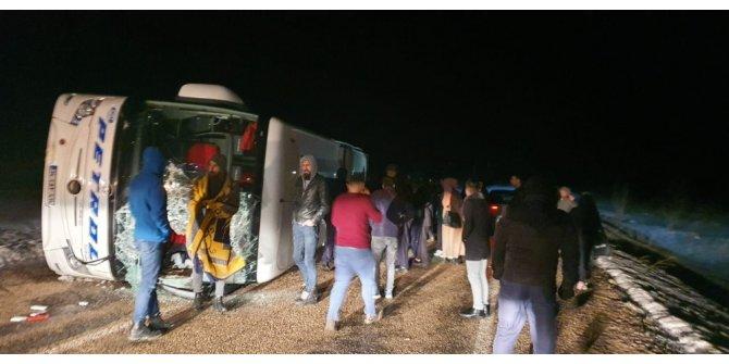 Kayseri'de yolcu otobüsü devrildi: 10 kişi yaralandı