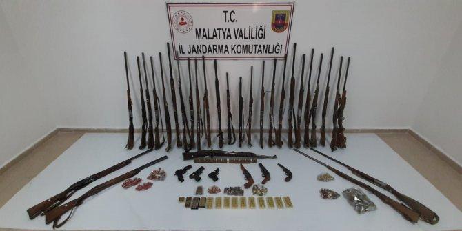 Malatya ve Adıyaman'da silah kaçakçılarına operasyon: 21 gözaltı