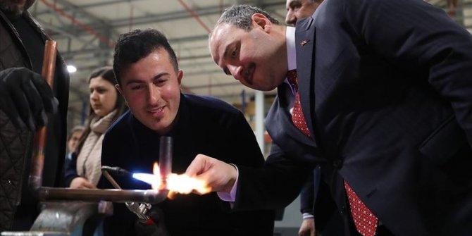 Bakan Varank, Sakarya'da fabrika ziyaretleri gerçekleştirdi