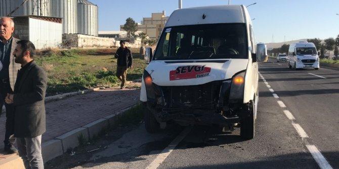 Şanlıurfa'da işçi servisleri çarpıştı: 7 yaralı