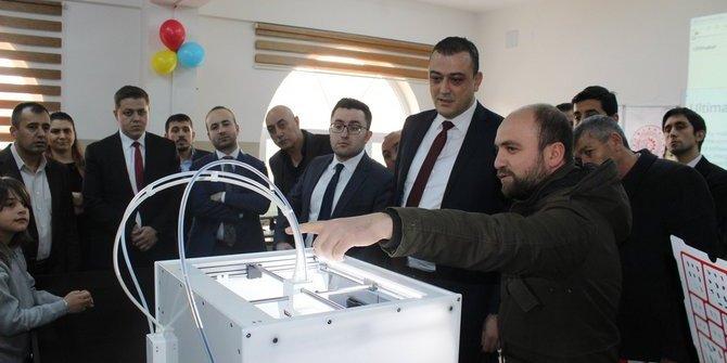 Yunak'ta robotik kodlama atölyesi açıldı