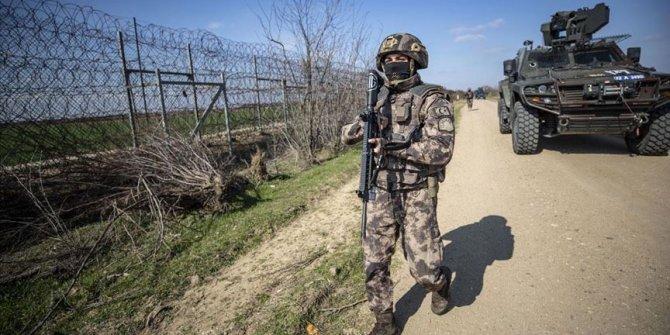 Özel harekat polisleri geri itmeleri engellemek için Meriç Nehri'nde görev alıyor