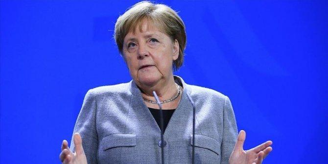 """Merkel: """"Almanya'daki insanların yüzde 60 ila 70'ine koronavirüs bulaşabilir"""""""