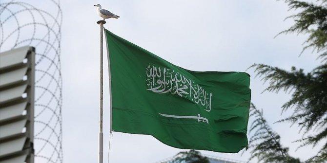 Suudi Arabistan koronavirüs nedeniyle uluslararası uçak seferlerini askıya aldı