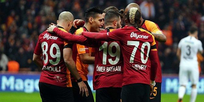 Galatasaray'da tarihi karar! Futbolculara yazı gönderildi