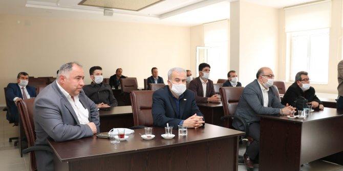 """Beyşehir Belediyesi'nde muhtarlarla """"koronavirüs"""" toplantısı"""