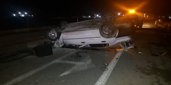 TIR'a çarpan otomobil takla attı: 2 yaralı