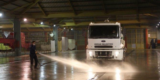 Muhacir Pazarı'nda dezenfekte çalışmaları