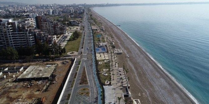 Yasak sonrası dünyaca ünlü sahil ıssızlığa büründü