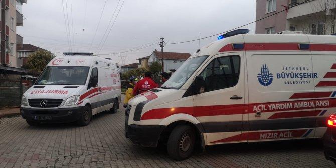 Sancaktepe'de iş yerindeki yangında 3 kişi dumandan etkilendi
