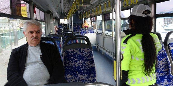 Polis ekiplerinden megafonla 'evde kal' uyarısı