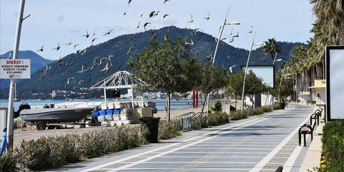 """Turizm merkezlerinin belediye başkanlarından yazlıkçılara """"evde kal"""" mesajı"""