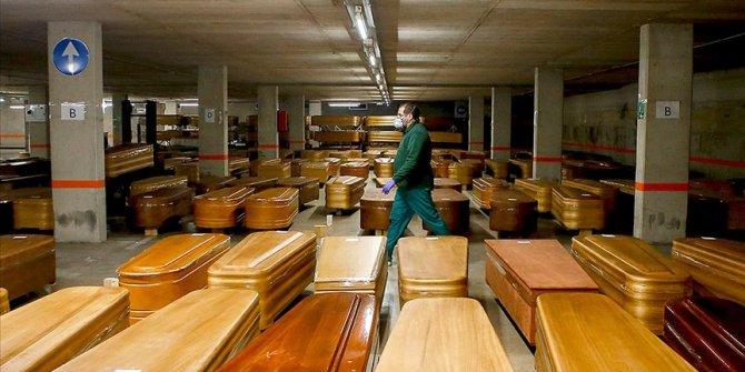 İspanya'da koronavirüsten bugün 743 kişi hayatını kaybetti