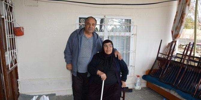 Konyalı yaşlı çiftten Milli Dayanışma Kampanyası'na destek