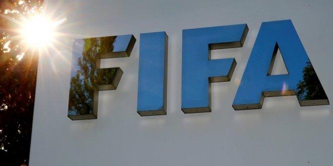FIFA futbolcu sözleşmeleri ile ilgili kararını açıkladı