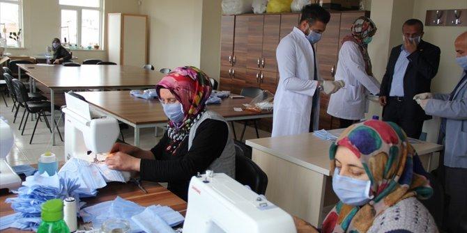 Yalıhüyük KOMEK'de maske üretimi başladı