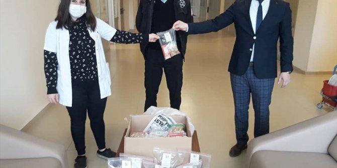Zara Belediyesi'nden sağlıkçılara moral ziyareti