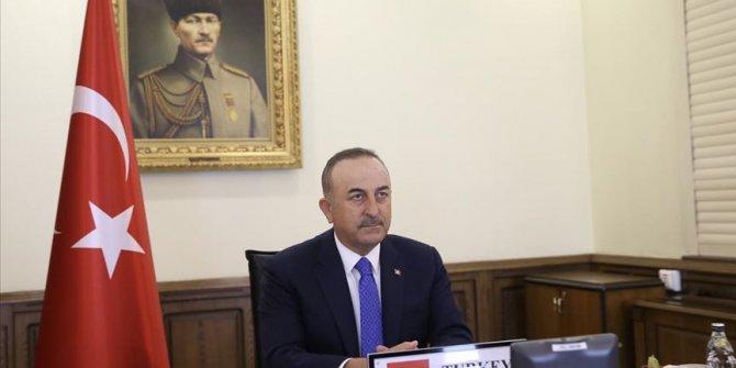 Konsolosluk Çağrı Merkezi'ni arayan 50 bininci vatandaşa Bakan Çavuşoğlu yanıt verdi