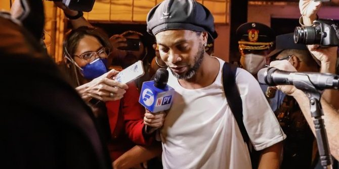 Ronaldinho'ya 4 yıldızlı ev hapsi