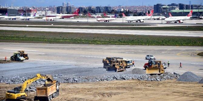 Atatürk Havalimanı'ndaki hummalı çalışma böyle görüntülendi