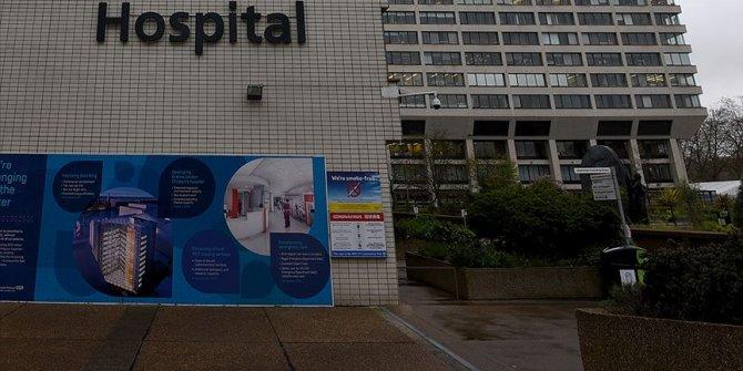 İngiltere'de Başbakan Johnson'dan koruyucu ekipman isteyen doktor hayatını kaybetti