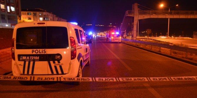 Yoldan karşıya geçmek isterken korkunç kaza: 2 ölü
