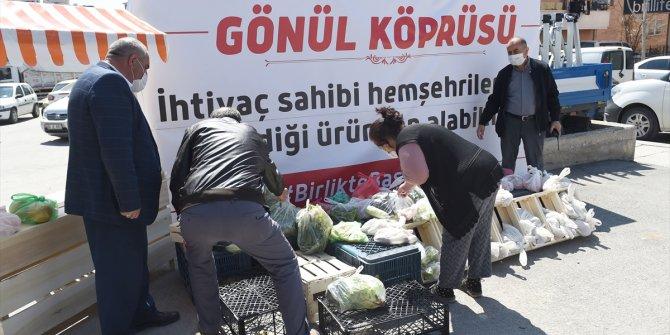 """Altındağ'daki semt pazarında """"Gönül Köprüsü"""" standı açıldı"""