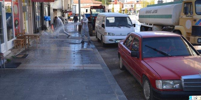 Bünyan'da cadde ve sokaklar dezenfekte edildi