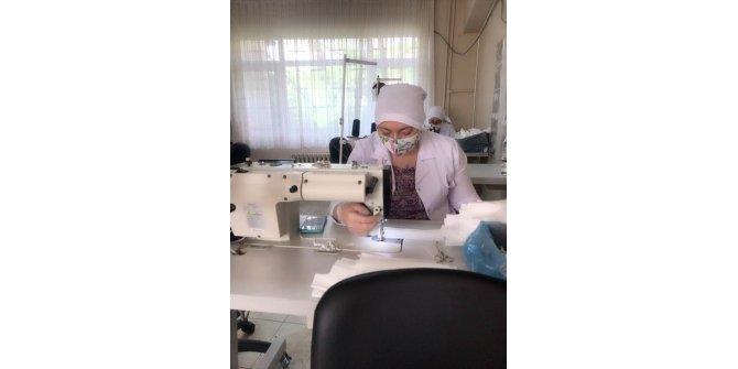 Devlet korumasındaki kadın, genç, yaşlı ve engelliler maske üretimi için seferber oldu