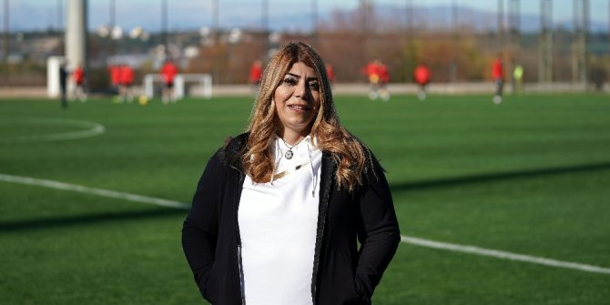 Kayserispor Kulübü Başkanı Berna Gözbaşı'dan 23 Nisan mesajı