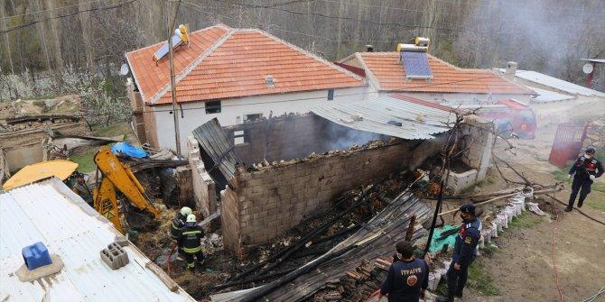 Halkapınar ilçesinde yangın