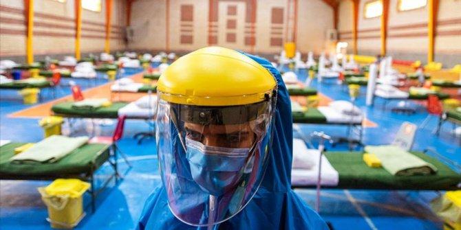İran'da koronavirüs kaynaklı can kaybı 4 bin 869'a yükseldi